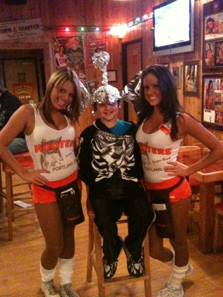 kids love hooters