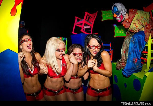 tampa bay buccaneers cheerleaders howl-o-scream busch gardens