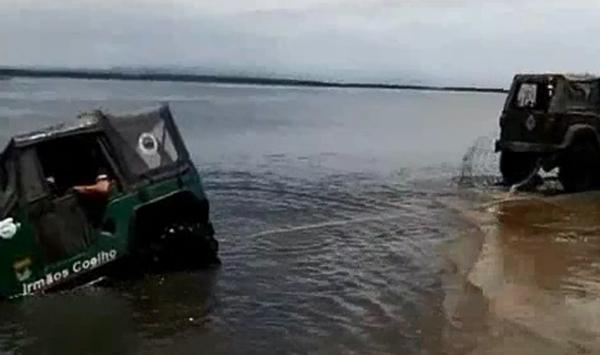 Jeep Tow Fail Strange Beaver