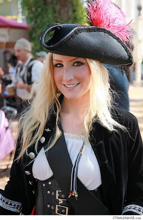 cute girl dressed as pirate