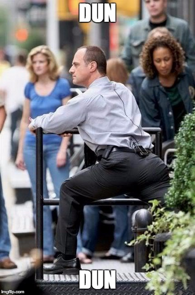 Christopher Meloni butt meme
